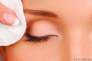 Démaquillant pour les yeux à l'huile d'amande douce - Recette cosmétique maison