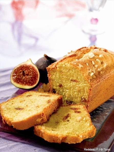 Cake au roquefort, figues moelleuses, noix - recette Esprit Santé