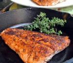 Photo Pavé de saumon en galette de riz et à la graine de goji